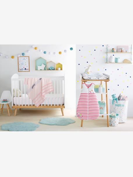 wandsticker f r kinderzimmer deko aufbewahren. Black Bedroom Furniture Sets. Home Design Ideas